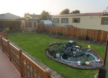Thumbnail 1 bed mobile/park home for sale in Towngate East, Market Deeping, Peterborough