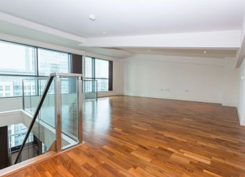 Thumbnail 2 bed flat to rent in Disocovery Dock, Canary Wharf
