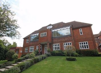 Thumbnail 1 bed flat to rent in Elizabeth Drive, Banstead, Surrey