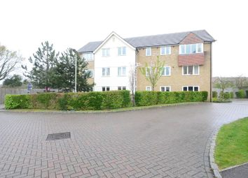 Thumbnail 2 bedroom flat to rent in Oakey Drive, Wokingham