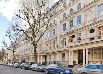 Thumbnail 4 bed maisonette to rent in Queen's Gate, London