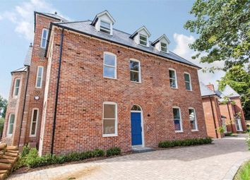 Thumbnail 2 bedroom flat to rent in Chestnut Mead, Winchester