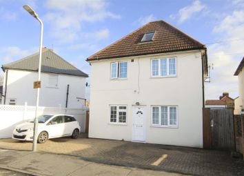 2 bed maisonette for sale in Kingsway, Hayes UB3