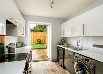 Thumbnail 2 bed flat for sale in Horse Barrow, Winterbourne Gunner, Salisbury