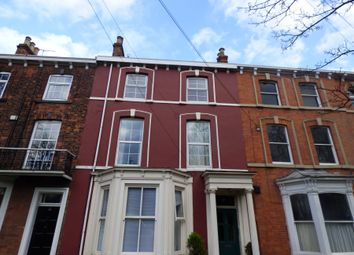 Thumbnail 3 bed flat to rent in Bargate, Grimsby