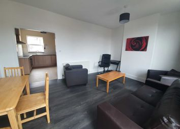 3 bed flat to rent in High Road Leyton, London E10