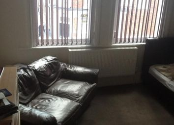 Thumbnail Room to rent in Colwyn Road, Northampton