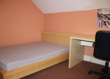 Thumbnail 5 bed flat to rent in Club Garden Road, Sheffield, South Yorkshire