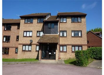 Thumbnail 2 bed flat to rent in Wallis Way, Horsham