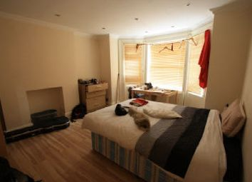 Thumbnail 3 bed flat to rent in Victoria Rise, Clapham