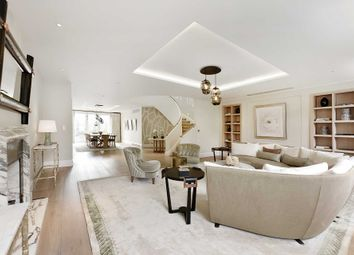 Thumbnail 3 bed duplex for sale in Buckingham Gate, London