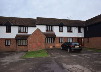 Thumbnail 2 bed flat to rent in Copperfields, Laindon