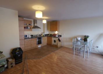 2 bed flat to rent in Elmwood Lane, Leeds LS2