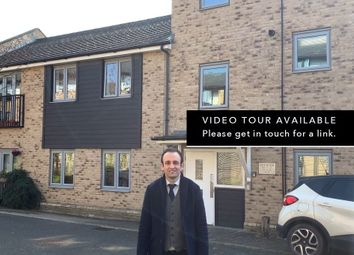 Thumbnail 2 bed flat for sale in Gladeside, Cambridge