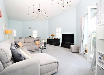 2 bed flat for sale in Commissioners Court, Chatham, Kent ME4