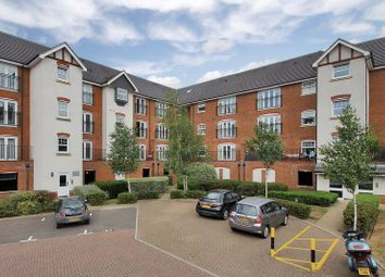 Thumbnail 1 bed flat to rent in Woodfield Road, Crawley
