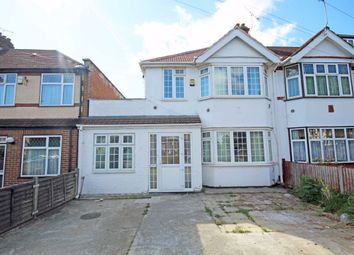 4 bed property to rent in The Close, Isleworth TW7