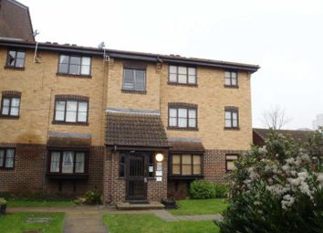 Studio to rent in Conway Gardens, Grays RM17