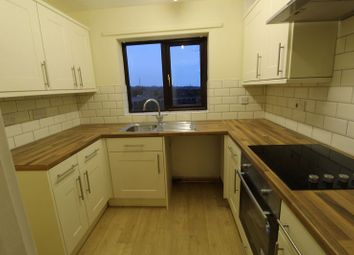 Thumbnail 1 bed flat to rent in 15 Stonecross Dr, Sprobrough, Doncaster