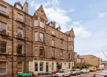Thumbnail 2 bed flat for sale in 4/1 Upper Gilmore Place, Bruntsfield, Edinburgh