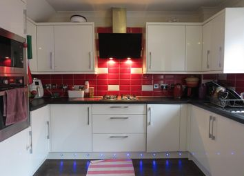 Thumbnail 3 bed property to rent in Heyford Way, Hatfield