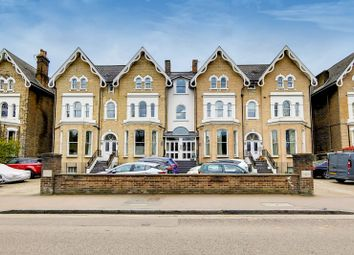 Stratheden Road, Blackheath, London SE3. 2 bed flat for sale