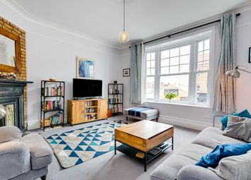 Sheengate Mansions, Upper Richmond Road West, London SW14. 2 bed flat