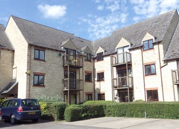Thumbnail 1 bed flat to rent in Langdale Gate, Witney, Oxfordshire