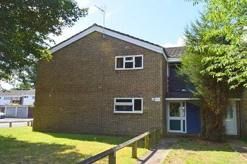 Thumbnail 1 bed flat to rent in Trefoil Crescent, Crawley, West Sussex