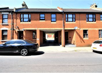 Thumbnail 1 bed flat for sale in Oasis House, 58 Catherine Street, Rochester, Kent