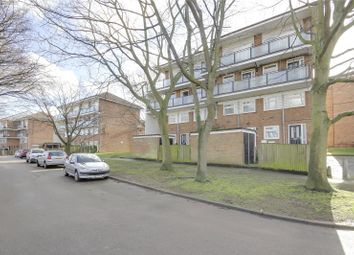 Thumbnail 2 bed maisonette for sale in Pert Close, Muswell Hill, London