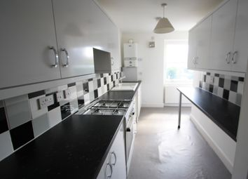 3 bed flat to rent in Putney High Street, Putney SW15