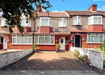 3 bed property for sale in Wadham Gardens, Greenford UB6