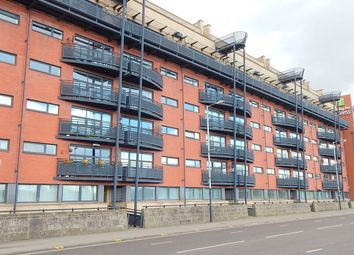 Thumbnail 2 bed flat to rent in Clyde Street, Glasgow