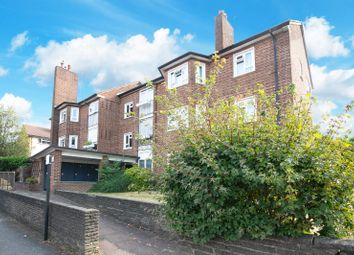 2 bed flat for sale in Chingford Lane, Woodford Green, Essex IG8