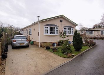 Thumbnail 2 bed mobile/park home for sale in Third Avenue, Ravenswing Park, Reading