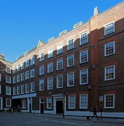 Office to let in Gough Square, London EC4A