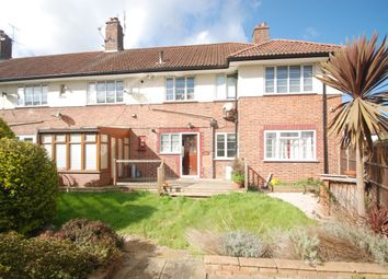 2 bed flat to rent in Greenview Court, Ashford TW15