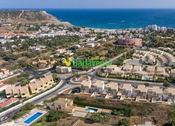 Thumbnail 3 bed villa for sale in Portugal, Algarve, Praia Da Luz