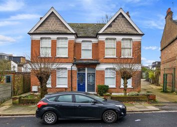 Thumbnail 3 bed flat to rent in Sedgemere Avenue, East Finchley