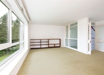 Thumbnail 3 bed flat to rent in Edge Hill, London