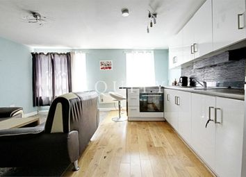 Thumbnail 1 bedroom flat to rent in Chase Side, Southgate