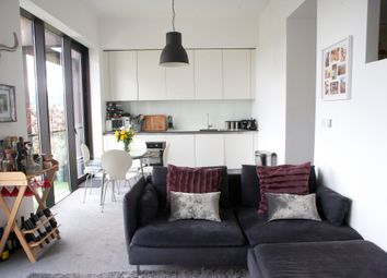 Thumbnail 2 bed flat to rent in Lake Shore Drive, Bristol