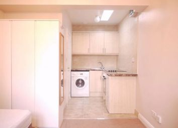 Thumbnail 1 bed flat to rent in Finchley Road, Golders Green