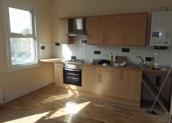 3 bed maisonette to rent in Oakleigh Road South, Friern Barnet N11