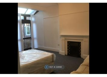Thumbnail Room to rent in Richmond Grove, Manchester
