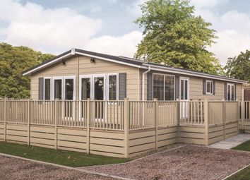 Thumbnail 3 bed mobile/park home for sale in Hambridge Lane, Newbury