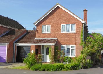 Thumbnail 3 bed detached house for sale in Fairford Way, Bicester
