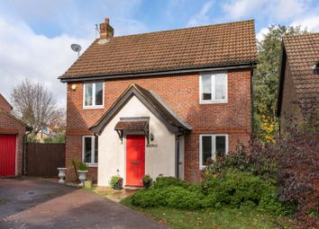 Flint Close, Maidenbower, Crawley RH10. 3 bed detached house for sale
