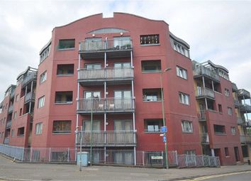 Thumbnail 2 bed flat for sale in Brookfield House, Hemel Hempstead, Herts